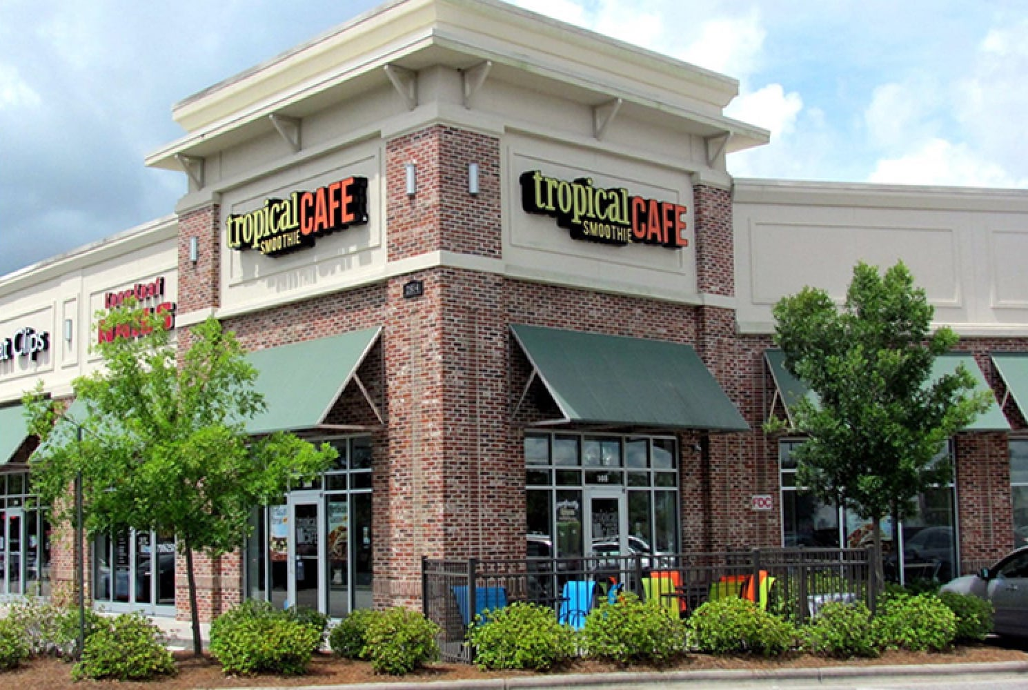 Tropical Smoothie Cafe building exterior